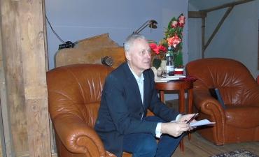 Dr Tomasz Kardacz przeczytal kilka ze swoich opowiadan