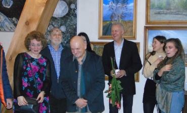 Zygmunt Dronski i Anna Demkowicz, autorka akwareli (po lewej)